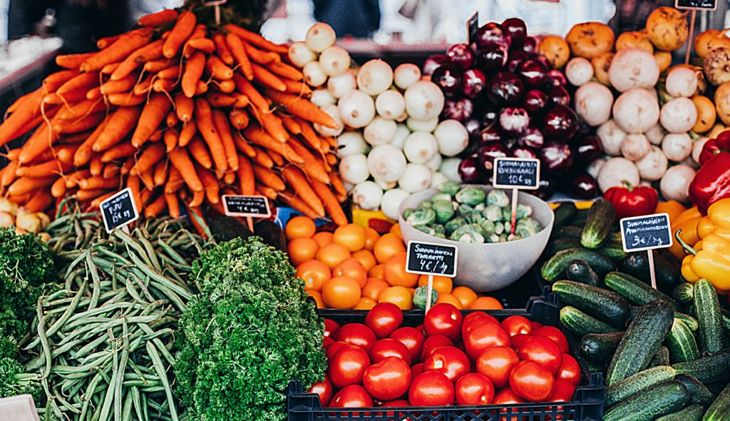 vihanneksia_ruokakaupassa
